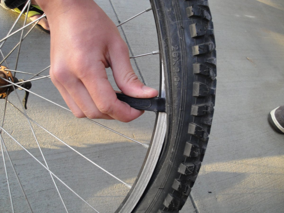 Fear No Flat: How to Fix a Busted Bike Tube or Tire