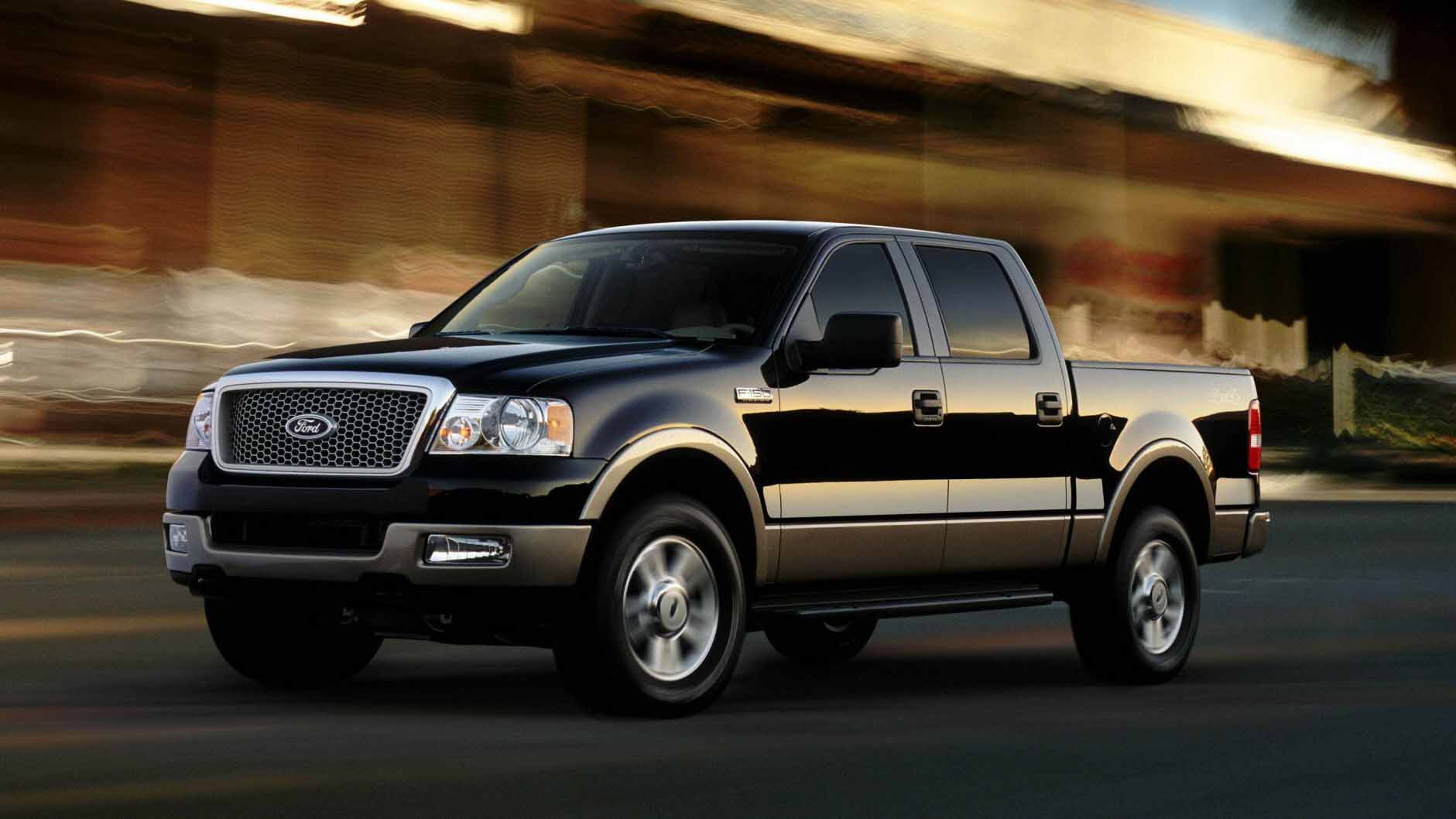 a 2004 Ford F-150 truck.