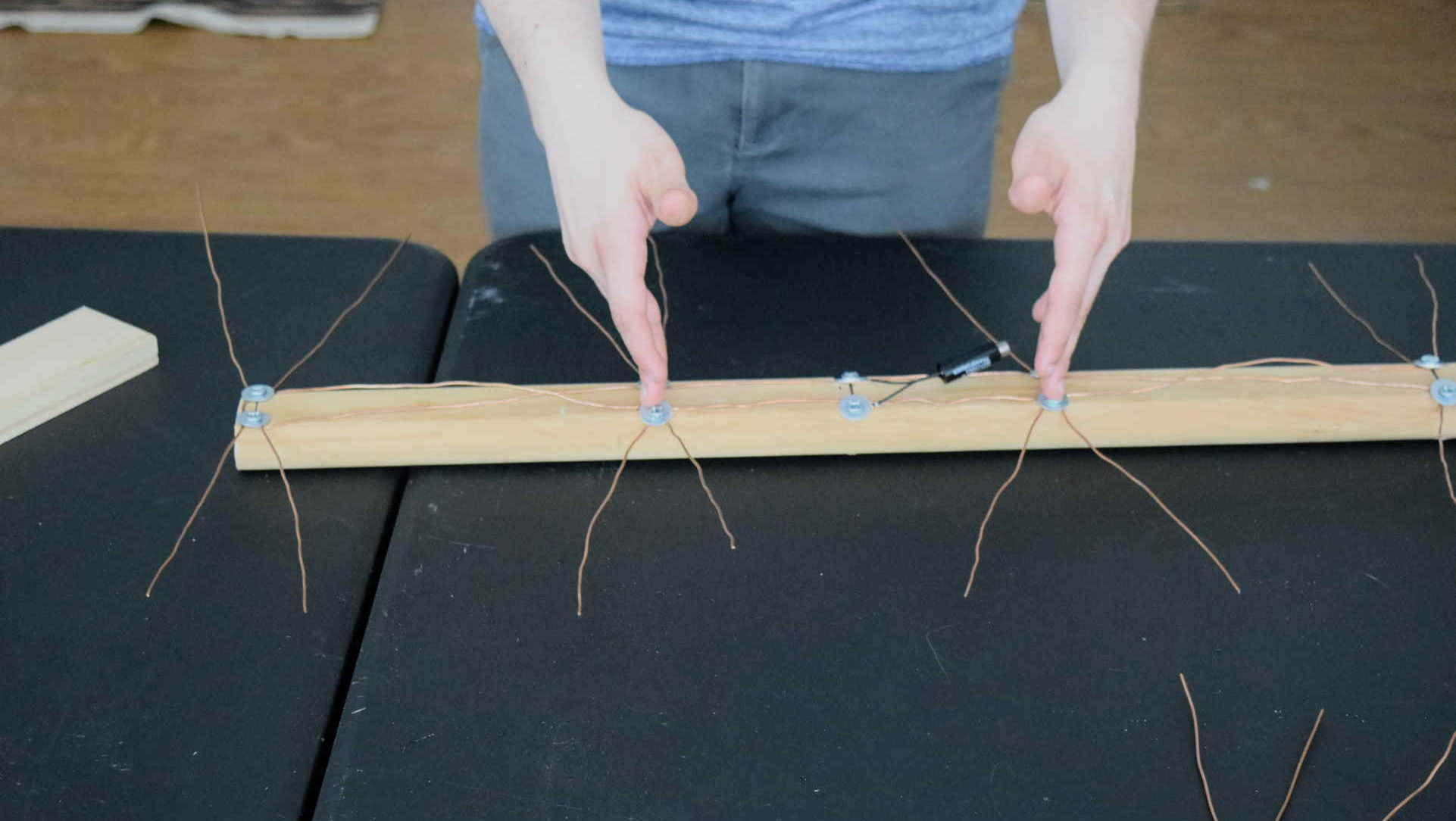 How to Fix Your Bad TV Reception with a Homemade HDTV Antenna - iFixit