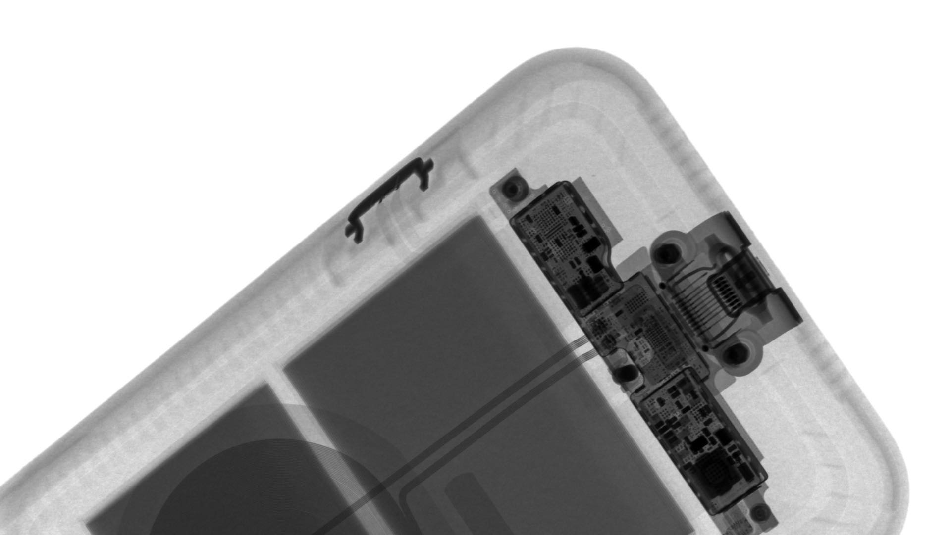 Close-up X-ray of the camera button on the Smart Case