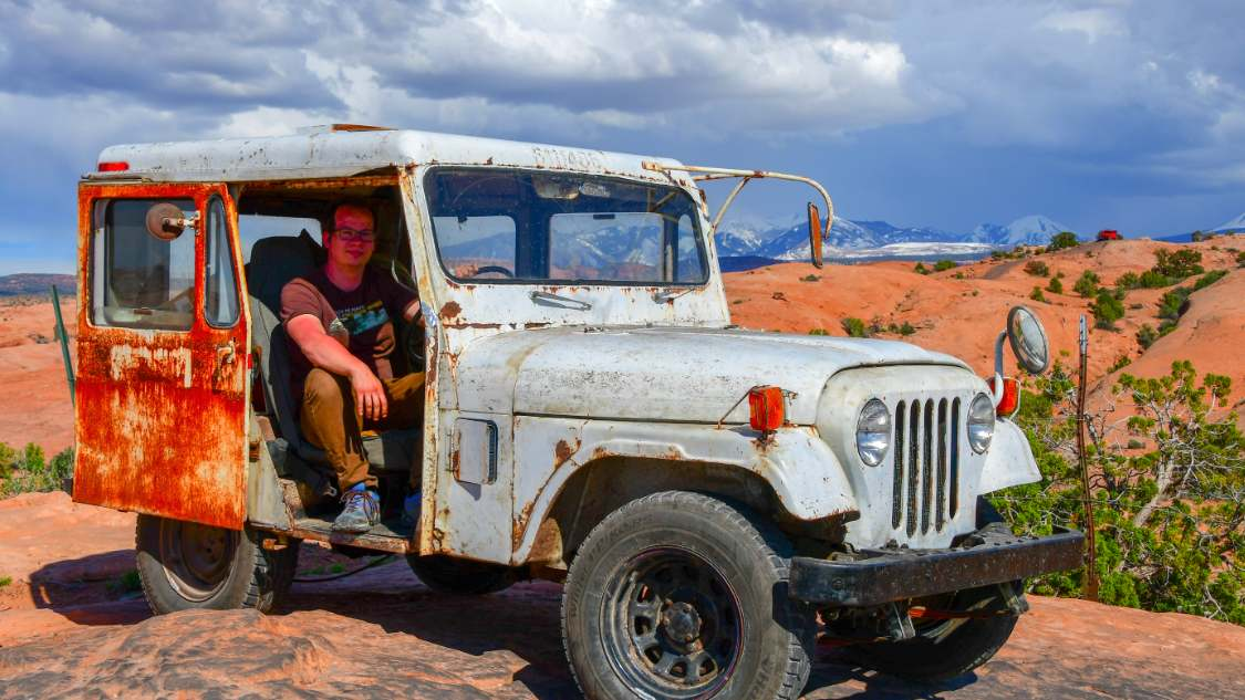 Auto writer David Tracy in a very busted Jeep.