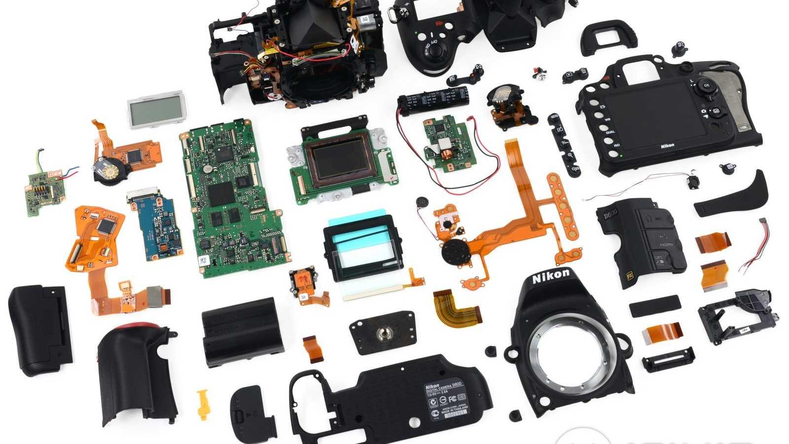 The parts of a Nikon D600