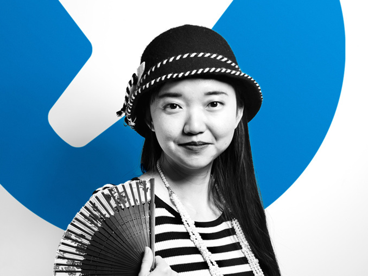 Yuting in front of the iFixit logo