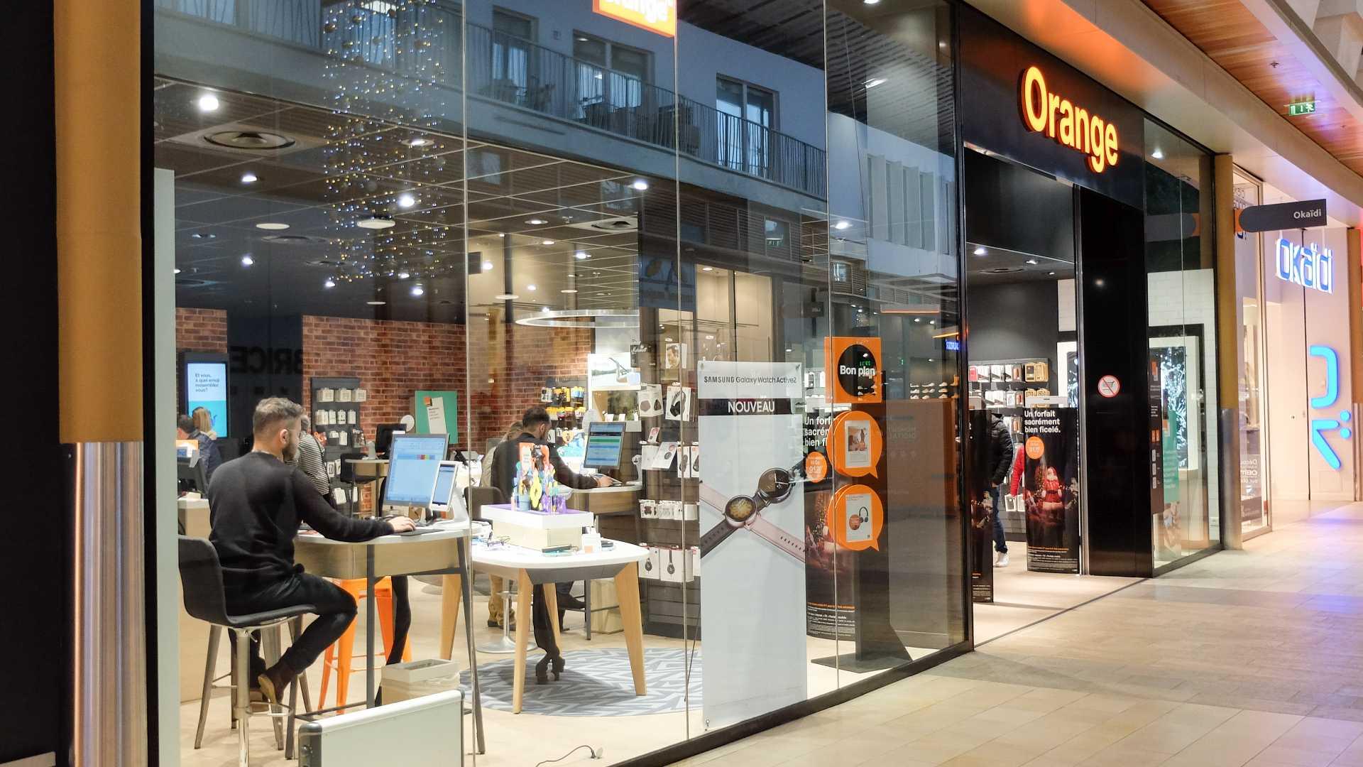An Orange storefront in France