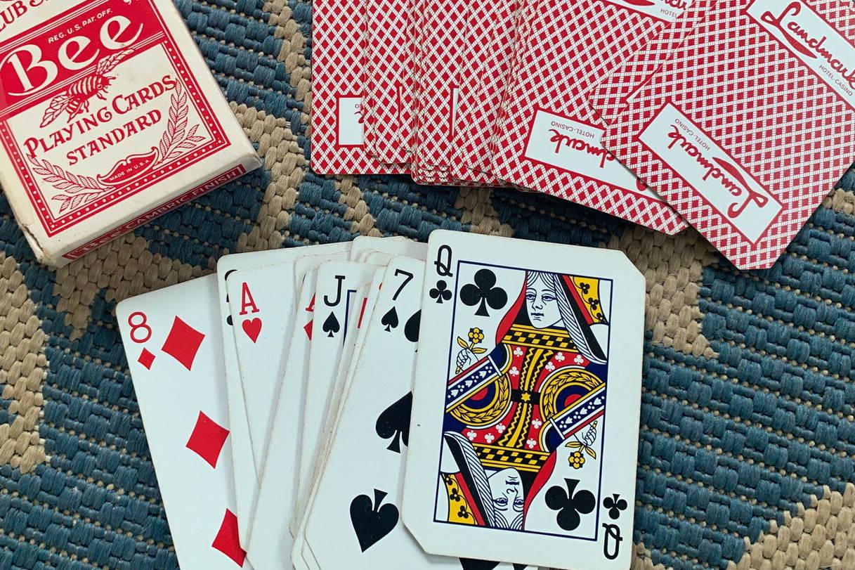Image of corner-cut used casino cards.